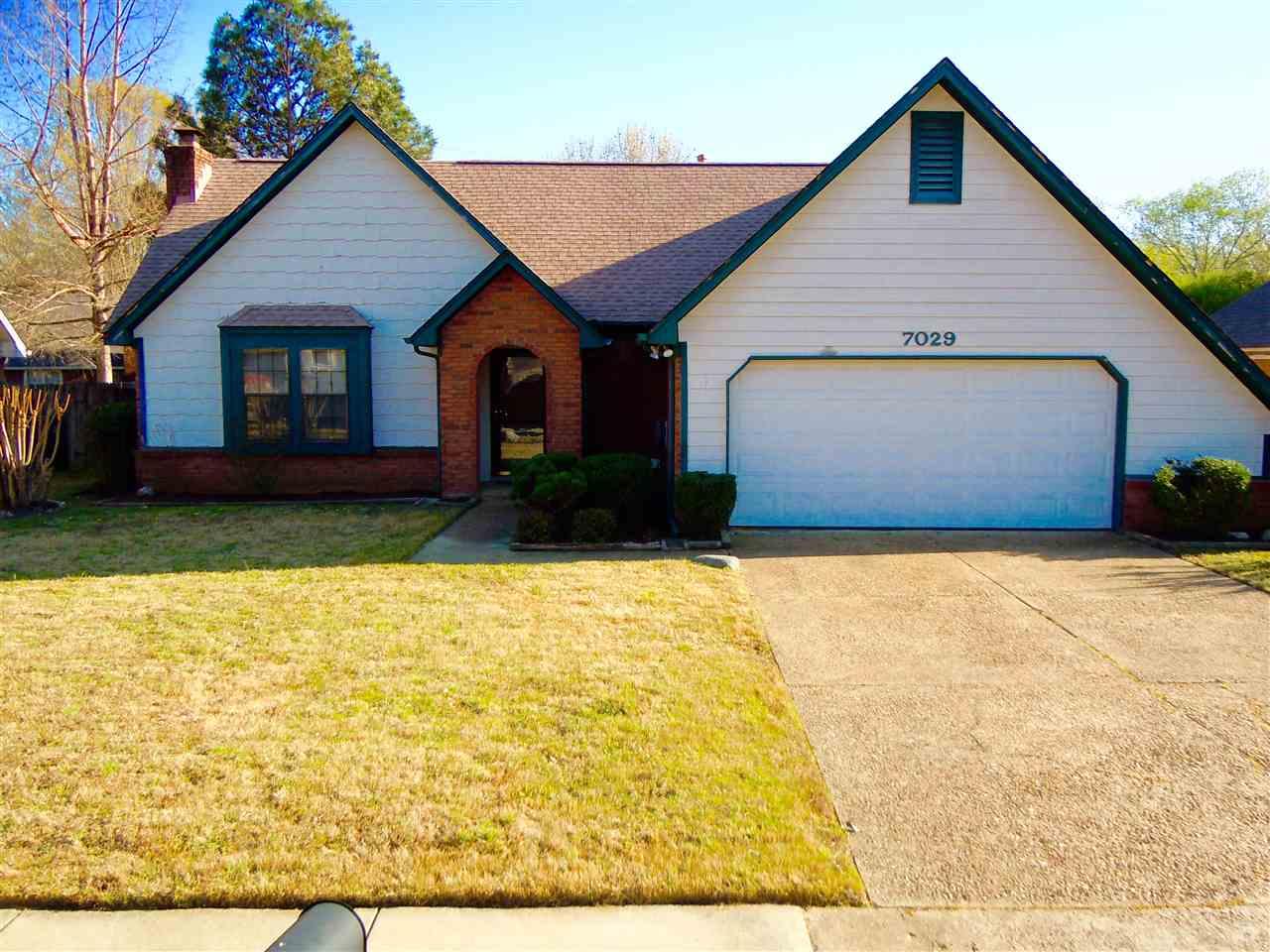 7029 Rocky Creek Dr, Memphis, TN