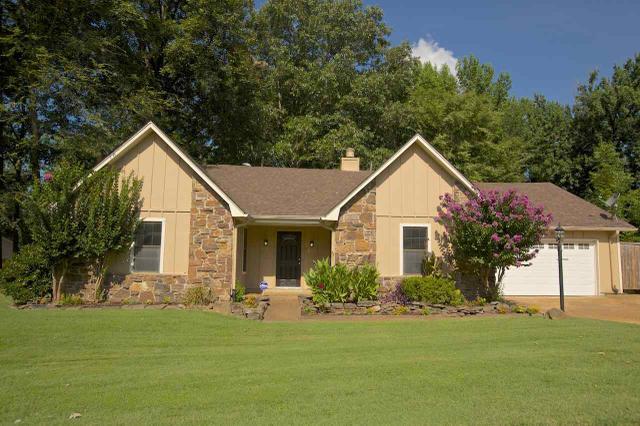 2951 Forest Edge Dr, Arlington TN 38002