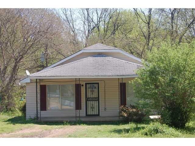 3582 Overton Crossing Rd, Memphis TN 38127