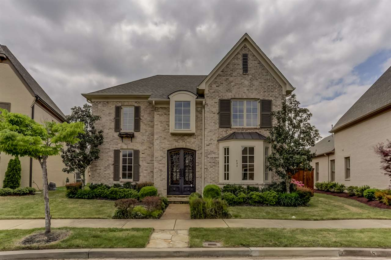 999 Russell Farms Dr, Collierville, TN
