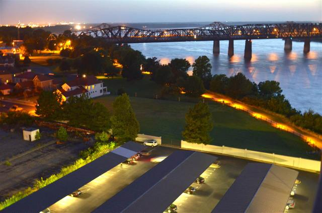655 Riverside Dr #APT 1408, Memphis TN 38103