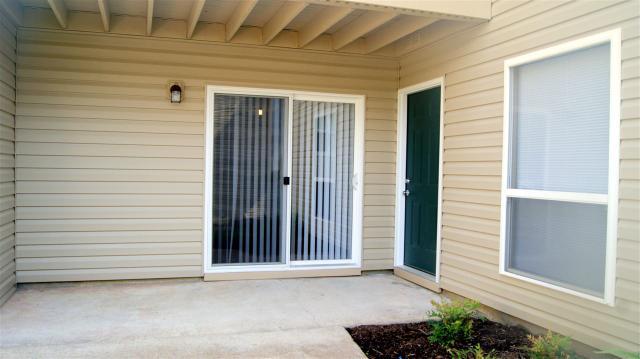 6767 Meadow Oak Pl #1, Memphis TN