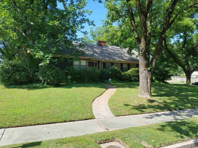 3403 Walnut Grove Rd, Memphis TN