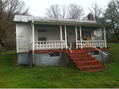 109 Clinch St, Weber City, VA 24290
