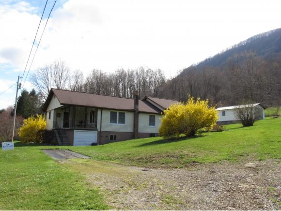 1402 Baum Hollow Rd, Big Stone Gap, VA 24219