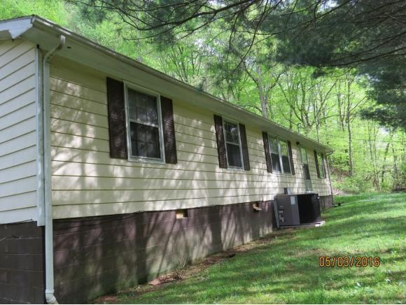 205 Browning Hollow Rd, Clintwood, VA 24228
