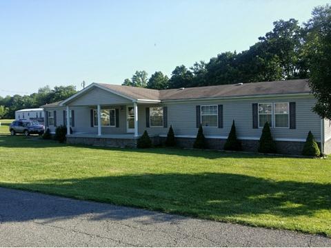 2297 Rose Rdg, Clintwood, VA 24228