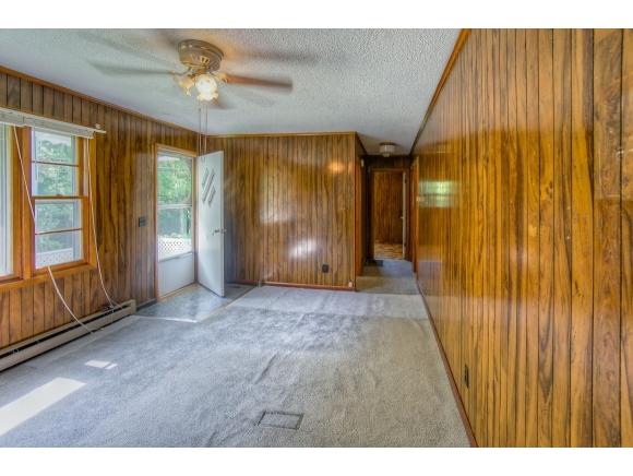 4183 Lewis Creek, Honaker, VA 24260