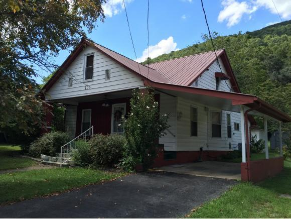 105 2nd Ave E, Big Stone Gap, VA 24219