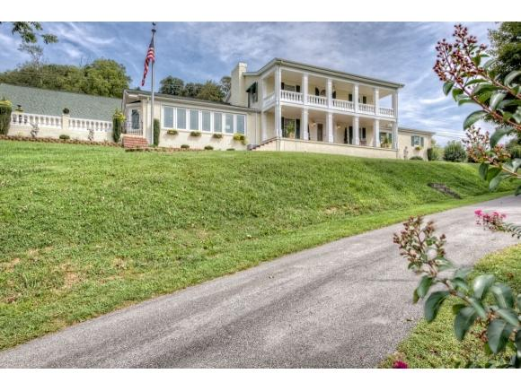 185 Cathedral Dr, Dungannon, VA 24245