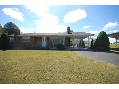 960 Little Duck Rd, Nickelsville, VA 24271