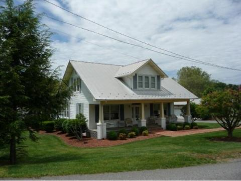 296 Packing House Rd, Chilhowie, VA 24319