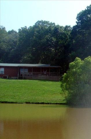 526 Pebblebrook Ln, Trenton, GA 30752