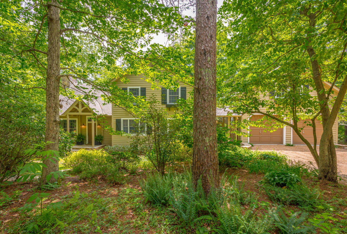 915 Mount Olive Road, Lookout Mountain, GA 30750