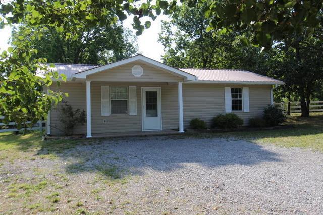 371 Browns Chapel Cemetary Rd, Trenton, GA 30752