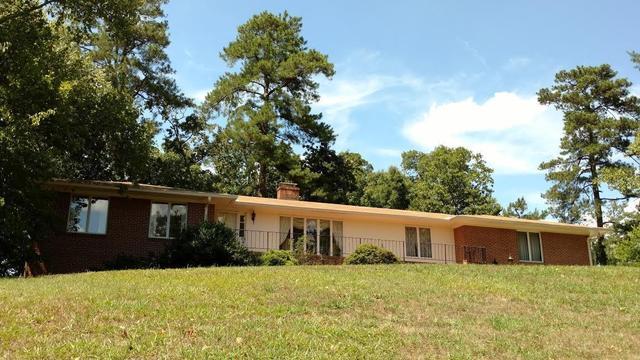 200 Dogwood Cir, Lafayette, GA 30728