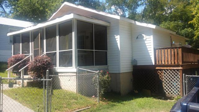 60 Orchard Ave, Rossville, GA 30741