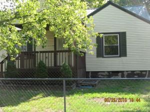 1208 Henderson Ave, Rossville, GA 30741