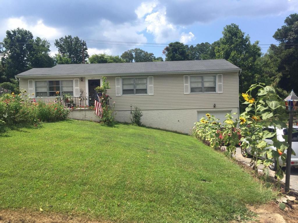 375 Greens Lake Cir, Rossville, GA 30741