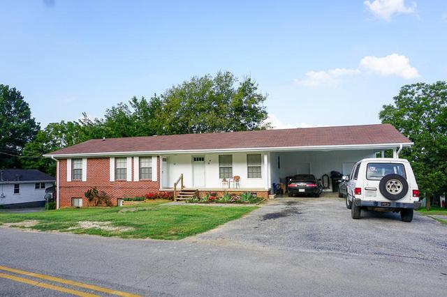 44 Calhoun St, Ringgold, GA 30736
