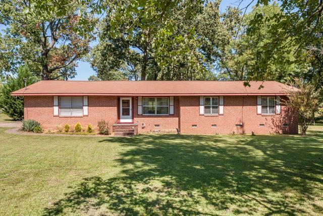 110 Henderson Ln, Chickamauga, GA 30707