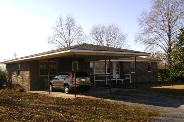 321 District Line Rd, Trenton, GA 30752