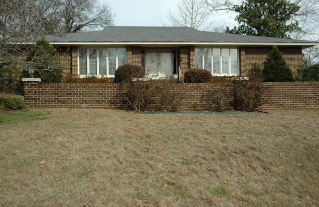 1519 Lyndhurst DrChattanooga, TN 37405