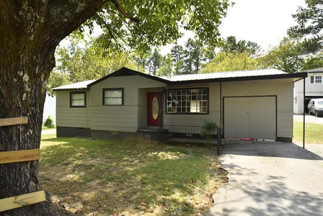 731 W James Ave, Rossville, GA 30741