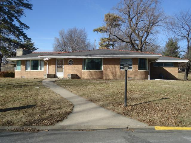 407 Sunset Pl, Atchison, KS
