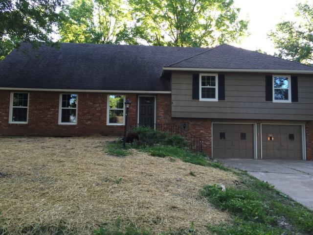 13004 Manchester Ave, Grandview, MO