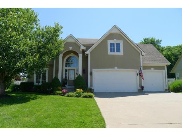 3109 S Redtail Dr, Blue Springs, MO