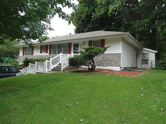 1418 NW A St, Blue Springs, MO