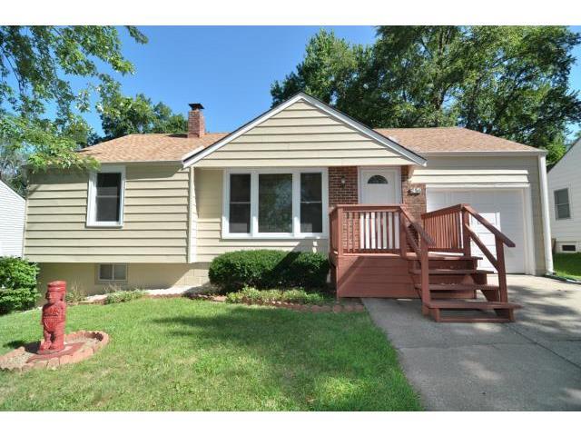 536 NE 43rd St, Kansas City, MO