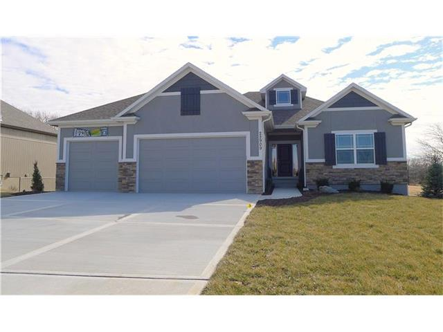 22909 E 42nd St Ct, Blue Springs, MO