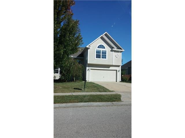 843 N Cedar St, Gardner KS 66030