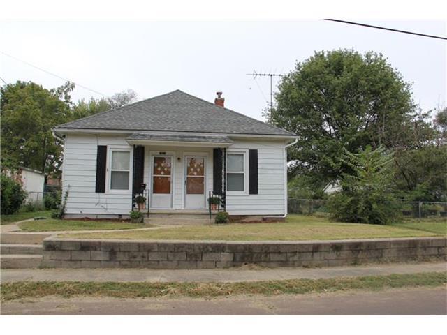 1820 Poplar St, Lexington MO 64067