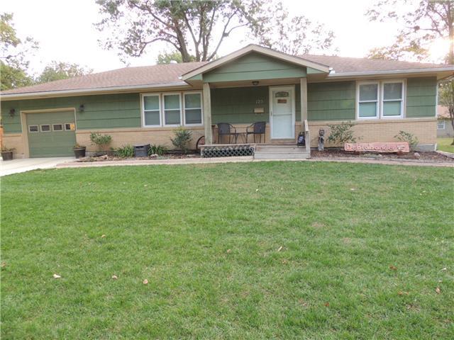 125 N Pine St, Gardner KS 66030