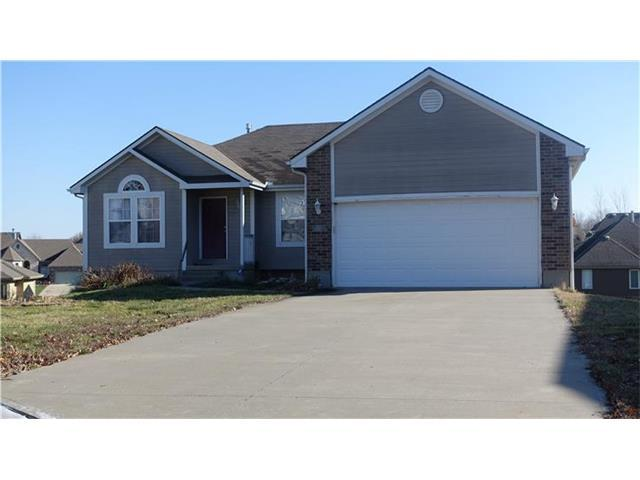 703 Foxtail Ct, Grain Valley MO 64029