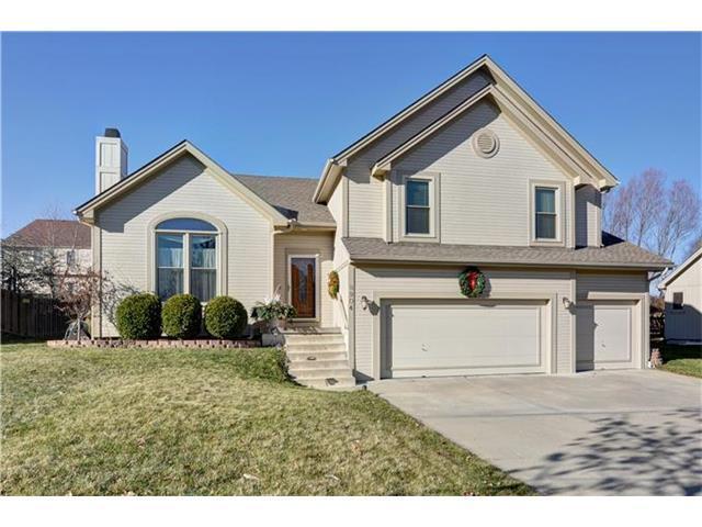 8904 N Chatham Ave, Kansas City MO 64154