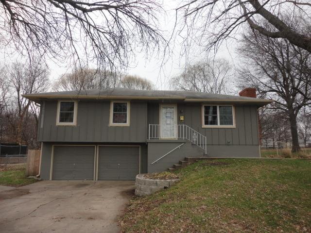 310 NW 17th St, Blue Springs, MO