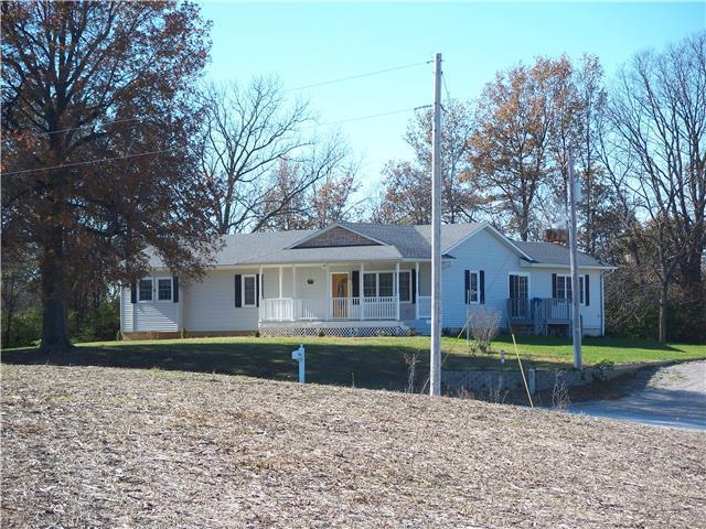 16387 Slusher School Rd, Lexington MO 64067