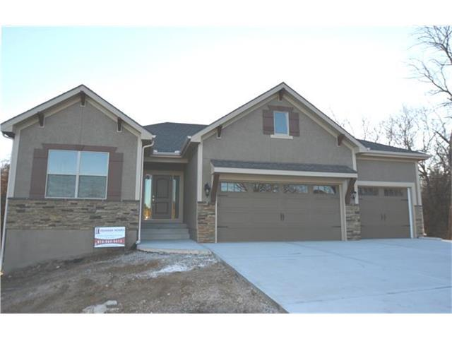 1409 NW Cottonwood Dr, Grain Valley MO 64029
