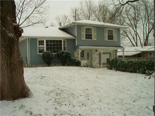 7807 N Avalon Na, Kansas City MO 64152