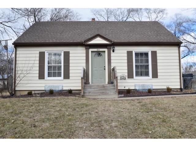 810 W Prairie St, Olathe KS 66061