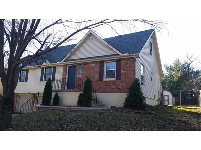 2217 NW 12th St, Blue Springs MO 64015