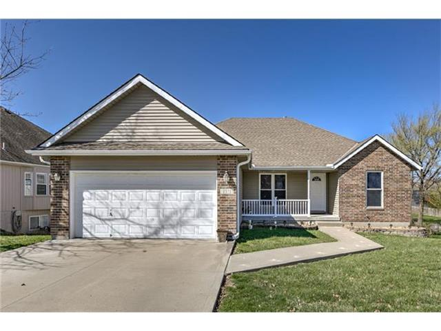 1818 NW Rosewood Dr, Grain Valley MO 64029