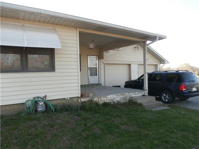 104 N Buckner Tarsney Rd, Buckner MO 64016