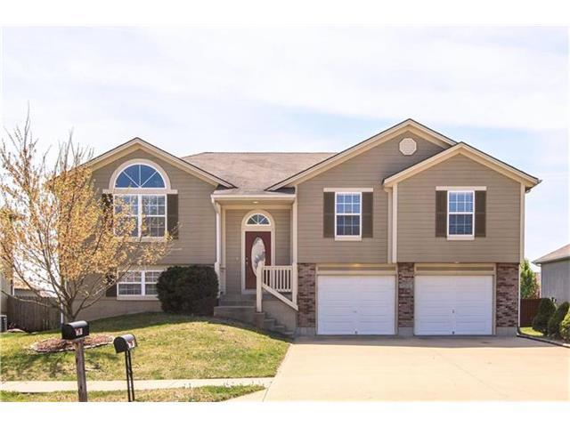 1201 NW Sawgrass Dr, Grain Valley MO 64029