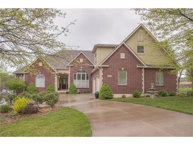 1713 SW 24th St, Blue Springs MO 64015