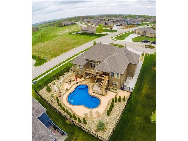 4233 S White Sands Court Ct, Blue Springs, MO